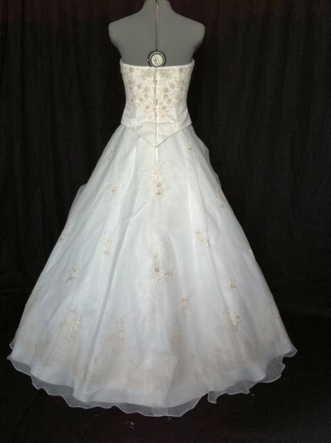 Mary 39 s bridal no train 2378 wedding dress tradesy weddings for Wedding dress no train