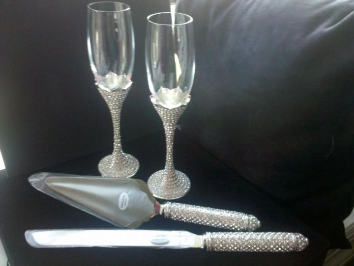 Bling Champagne Flute And Cake Server Set Crystals Tradesy Weddings