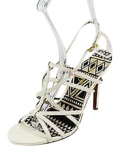 Jessica Simpson Good Womens white Pumps