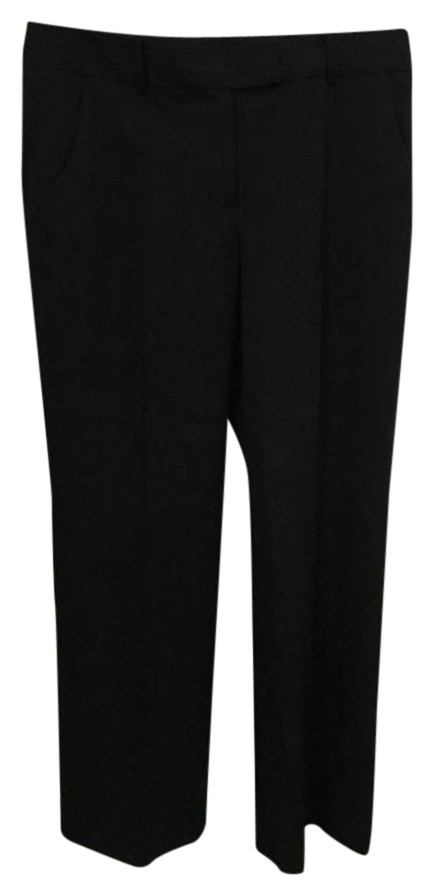 Petite Ladies Wear the Trousers at Very! Designed specially for dainty figures, Very's offering of petite trousers mean you've got loads of options that keep your figure in focus! Hit refresh on your weekend wardrobe with comfy joggers, or go sultry with a pair of wet-look leggings.