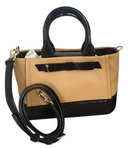 Kate Spade Satchel in tan/black