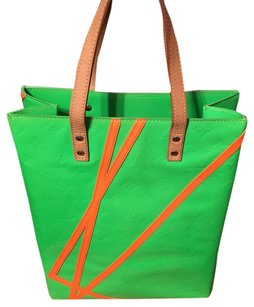 Louis Vuitton Tote in lime