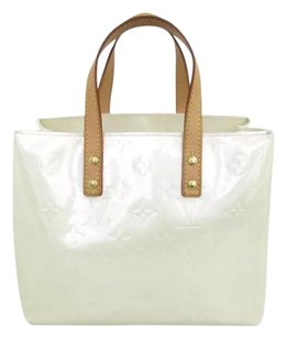Louis Vuitton Tote in White, Pearl
