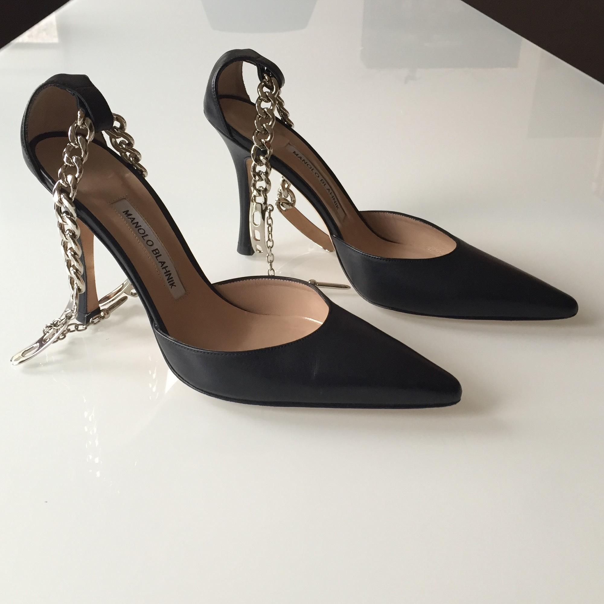 cheap classic best store to get Manolo Blahnik Taislao Leather Pumps cheap sale footlocker pictures outlet top quality rqsAPYh0k2