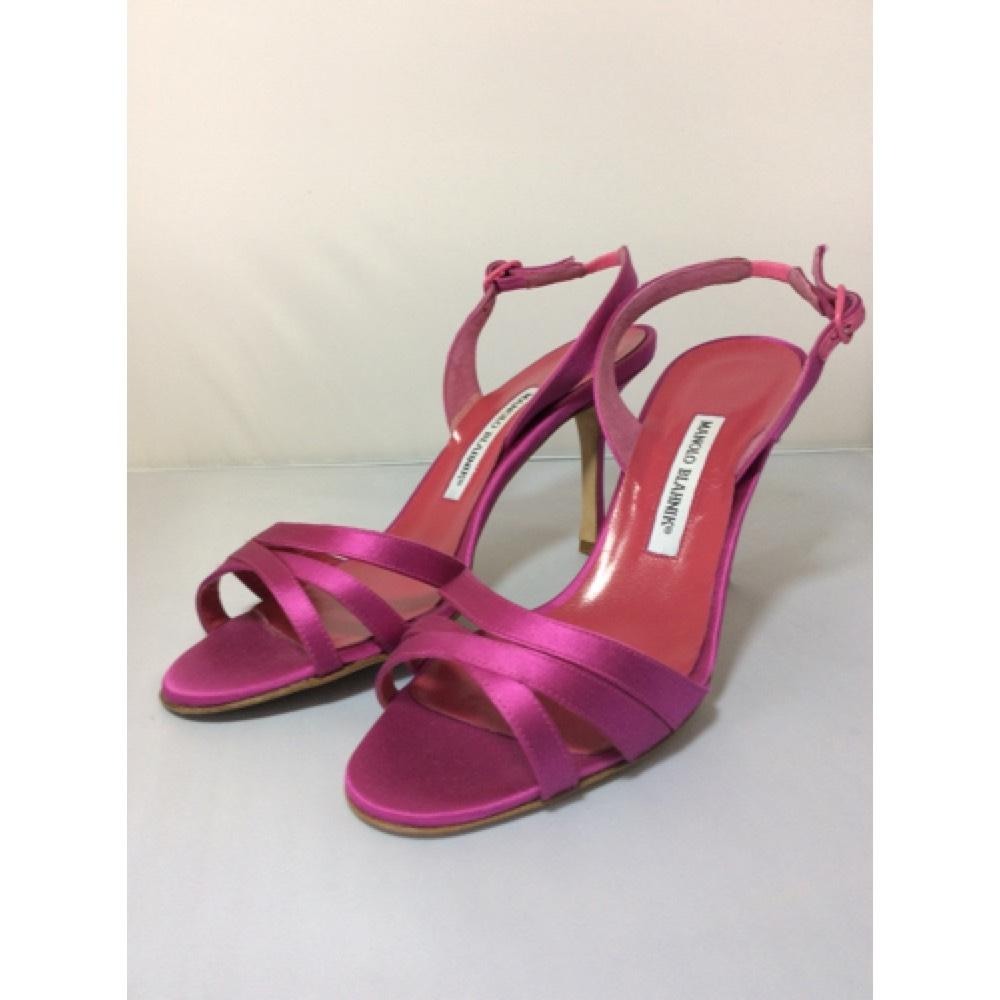 fuschia pumps manolo blahnik