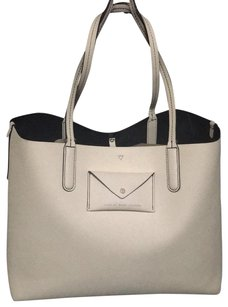 Marc by Marc Jacobs Tote in chalk, midnight blue