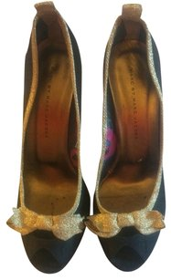Marc by Marc Jacobs Peep Toe Two-tone Size 39 Bow Metallic Navy Blue, Gold Pumps