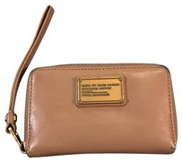 Marc by Marc Jacobs Wristlet in Beige