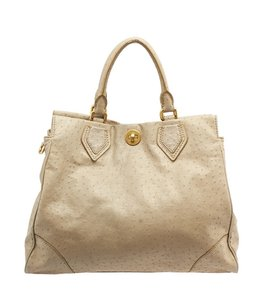 Marc Jacobs By Lucy Satchel in Beige
