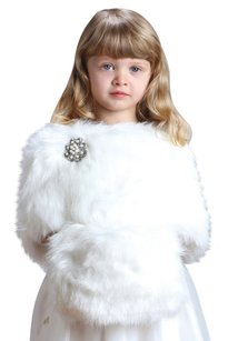 Mariell Children's Ivory Faux Fur Hand Muff for Winter Weddings 3825M-I