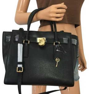 Michael Kors Hamilton Traveler Large Leather Shoulder Handbag Bag Purse Black Satchel