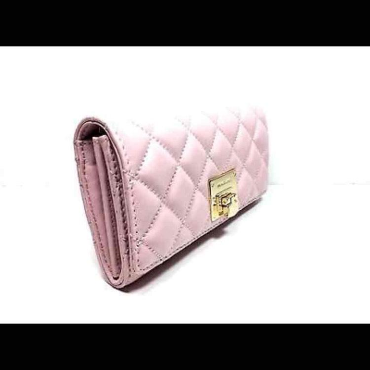 6675ce3fa5d8 Buy michael kors quilted wallet   OFF63% Discounted