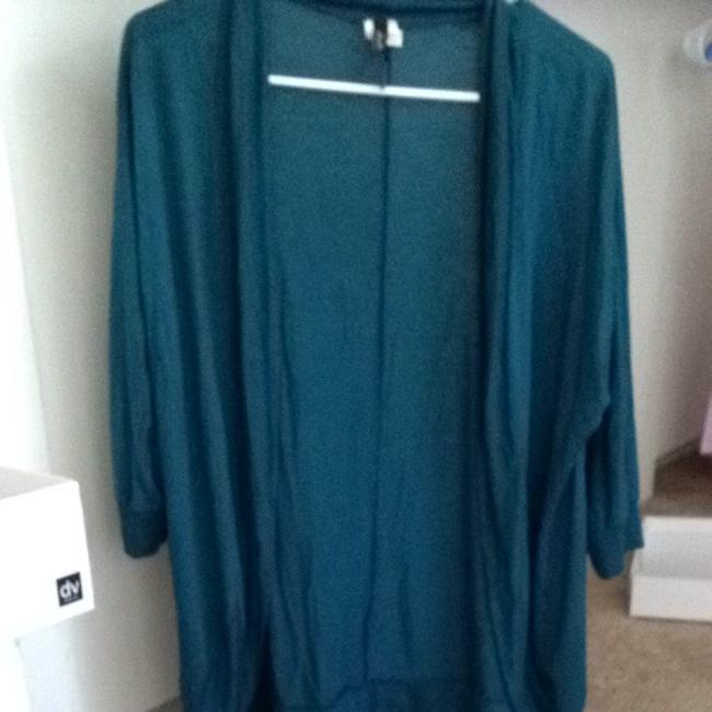 Preload https://item4.tradesy.com/images/molli-and-mia-cardigan-turquoise-1238113-0-0.jpg?width=400&height=650