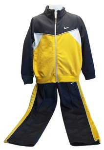 Nike Boys Warm Up Suit ( Size 5 / Age 4.5-6.5 ) [ TommiesCloset ]