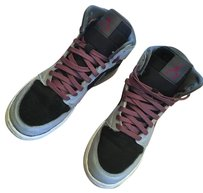 Nike grey/black/fuschia Athletic