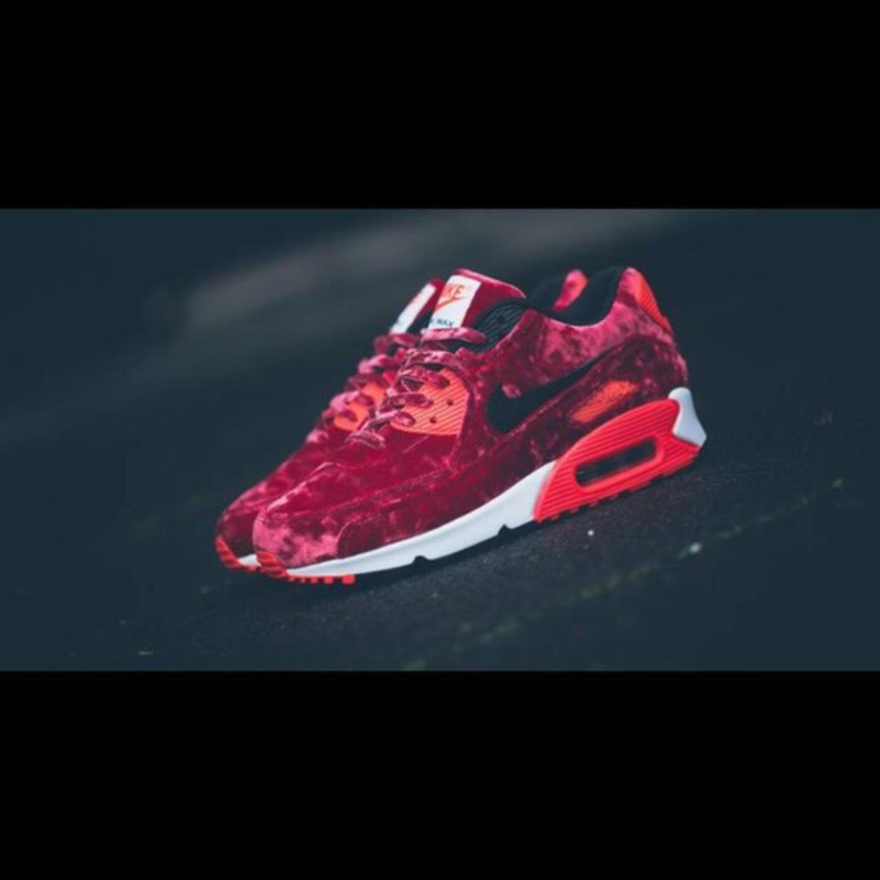 a0eccc77b3a1 ... nike red air max 90 anniversary red velvet. sneakers size us 8