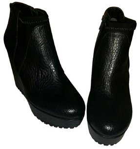 NWOT Simply Vera Wang Leather Ankle Boots Black. Boots