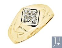 10k Yellow Gold Kite Shaped Milgrain Shared-prong Diamond Pinky Ring 0.10ct.