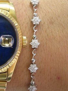 Other 18kt Round Cut Diamond White Gold Flower 13-stationary Tennis Bracelet 1.20ct