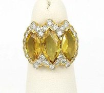 18kt Ygold 9.40ctw Marquise Round Cut Diamond Yellow Sapphire Cluster Ring