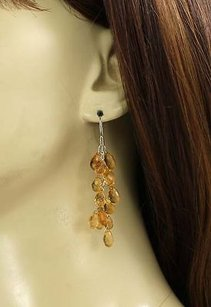 Adorable 18k Gold Citrine Gems Dangle Earrings