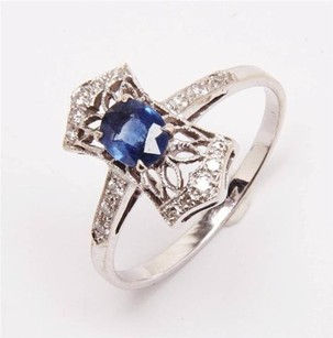 Anitque Style 55pt Sapphire And Pave Diamond 18k White Gold Ring