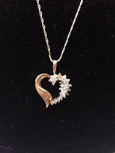 Other Boutique K Gold And Diamond Heart Pendant Necklace 19.5 Delicate Chain