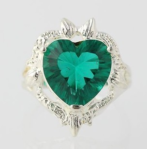 Chunky Heart Cocktail Ring - Sterling Silver Green Simulated Emerald 8.25