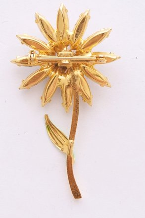 Other Daisy pin Excellent Vintage condition