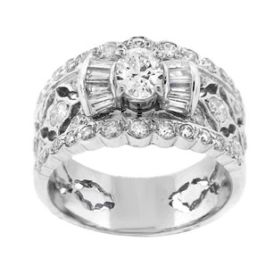 Other Estate 18k White Gold With 49 Round And Baguette Diamond Ring