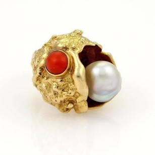 Estate Pearl Coral 14k Yellow Gold Textured Fish Ring