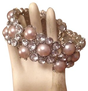 Gorgeous pearl silver bracelet can fit 8