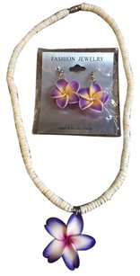 Hawaiian style flower necklace and earring set