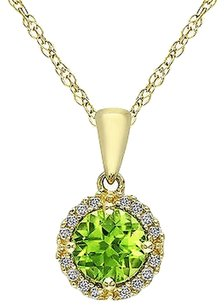10k Yellow Gold 78 Ct Tgw Peridot And Diamond Fashion Pendant Necklace 17