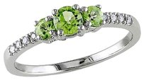 10k White Gold Diamond And 0.54 Ct Tgw Peridot 3 Stone Ring Gh I1-i2