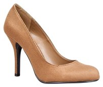 Paprika Brown Pumps