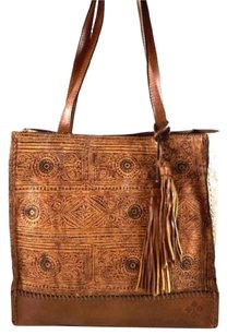 Patricia Nash Designs Shoppers Tote in Brown