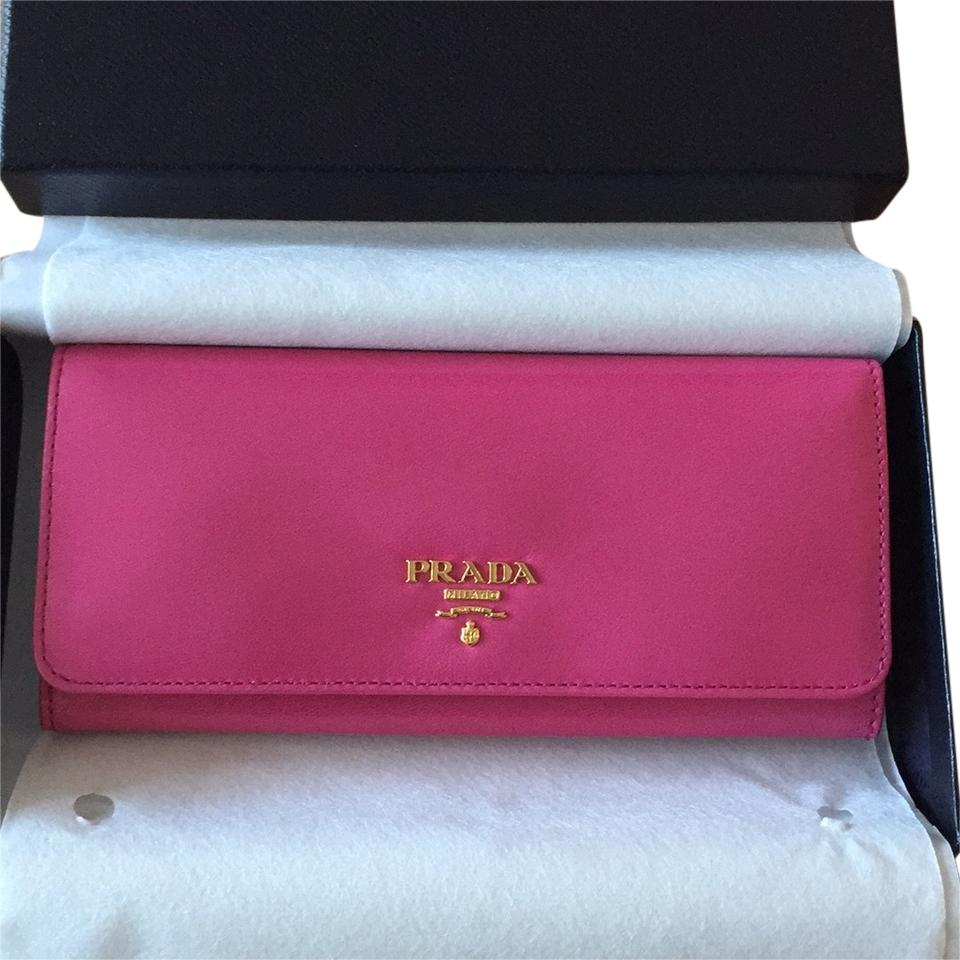 df522c124fe8 ... closeout prada leather bags shoes more up to 70 off at tradesy d6c3a  f61ad