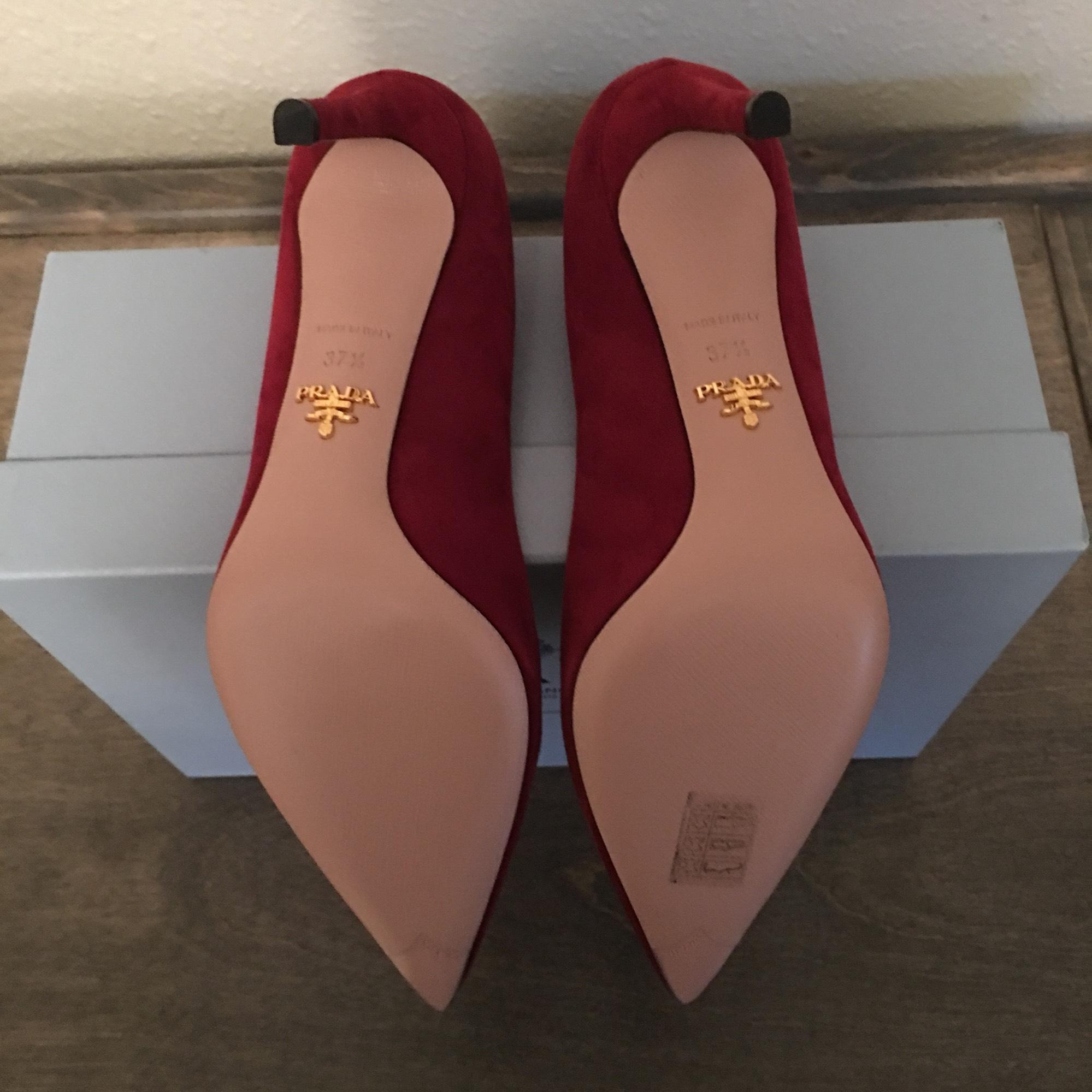 a13f5178d ... Prada Porpora Pointed Pointed Pointed Toe Pumps Size US 7.5 Regular (M