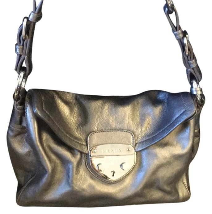 0d184f7567b56 ... closeout prada leather bags shoes more up to 70 off at tradesy bde6a  313ed