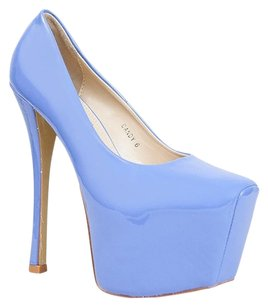 Red Kiss Blue Pumps