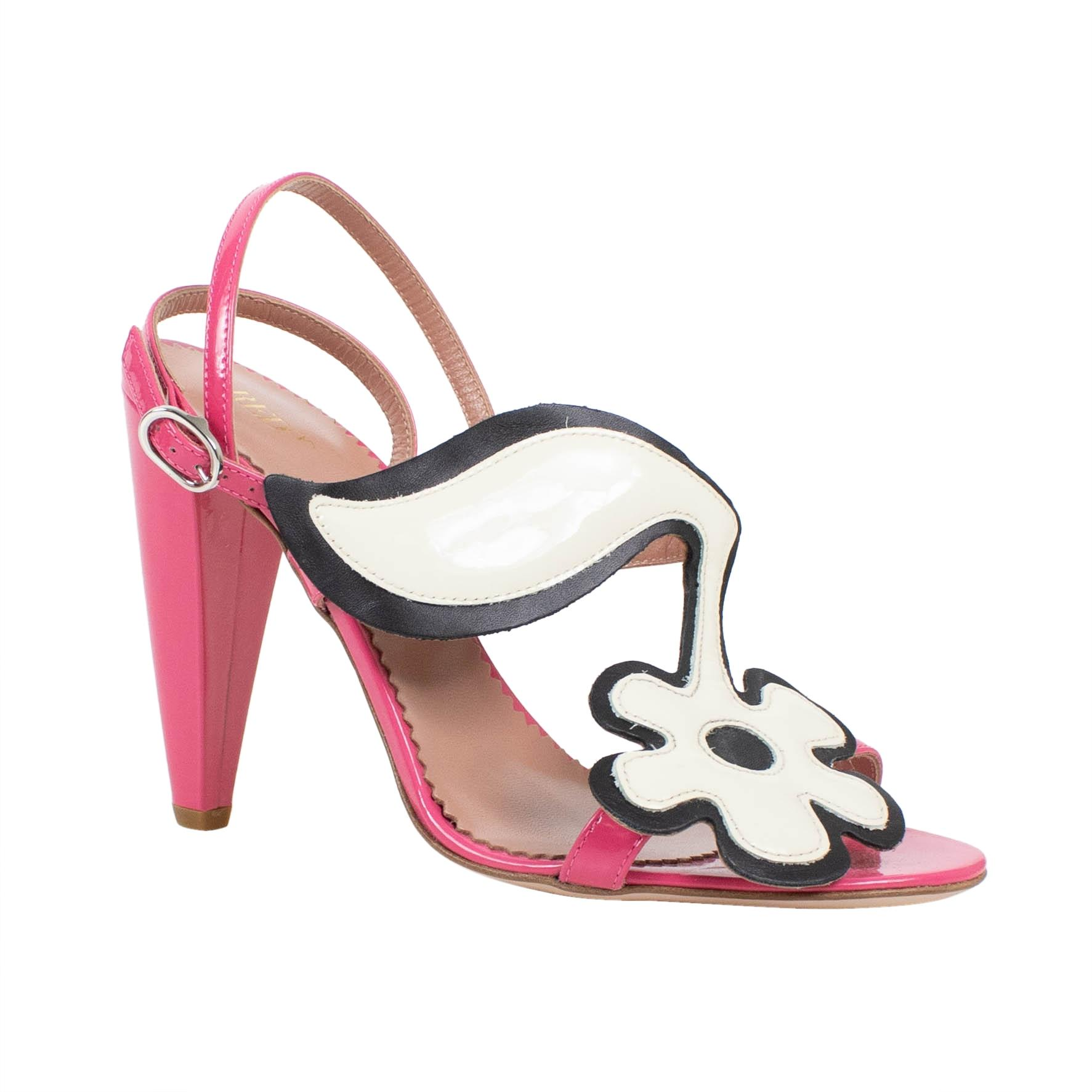 c64410fa7 RED Valentino Valentino Valentino Pink Patent Leather Sandals Pumps Size US  7 Regular (M
