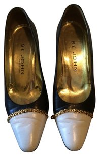 St. John Vintage Heels 6 Navy & White Pumps