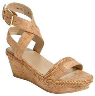 Stuart Weitzman Wraptor Beiges Sandals