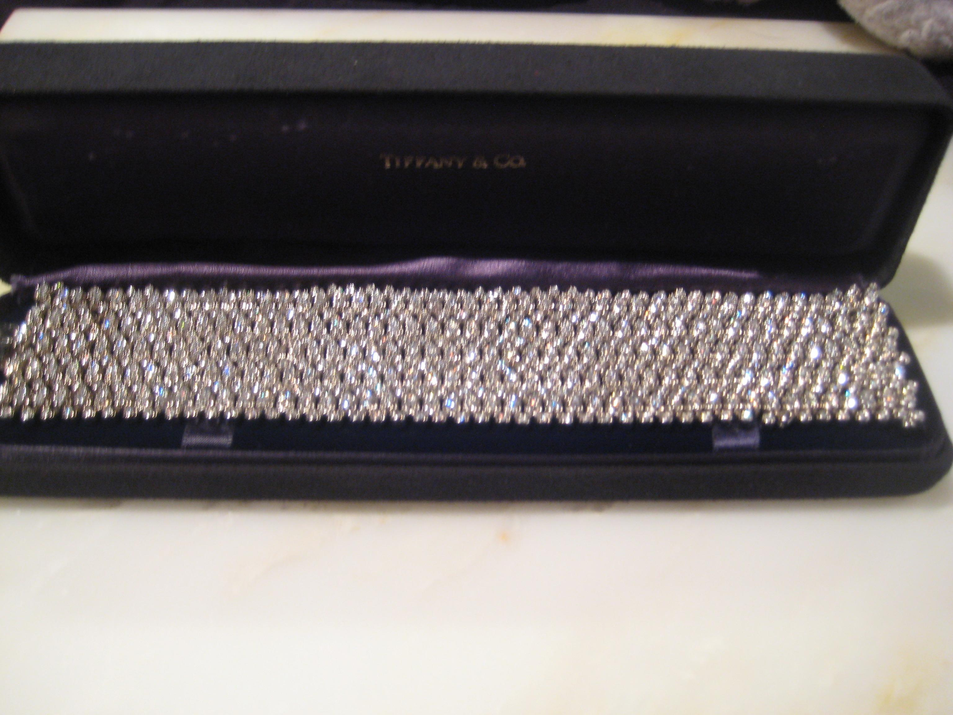 Tiffany & Co White Vintage 18kt Gold Diamond Tennis Bracelet