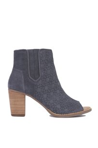 TOMS 410003619626 Gray Boots