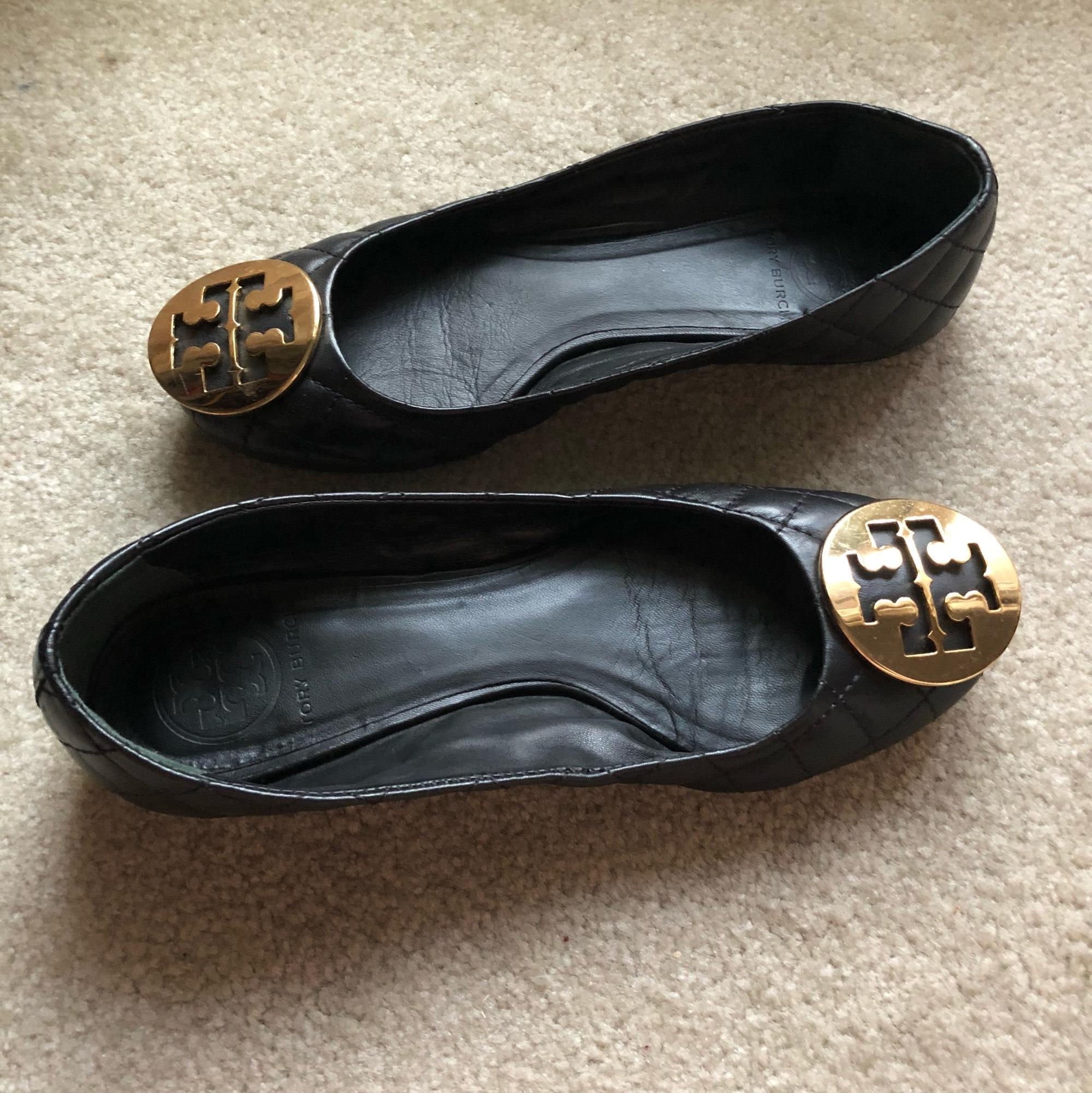 3b57c6492 ... Tory Burch Black with Gold Gold Gold Logo Reva Quilted Flats Size US 5  Regular ...