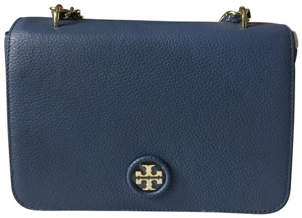 Preload https://item4.tradesy.com/images/tory-burch-whipstitch-adjustable-chain-wallis-blue-leather-cross-body-bag-23008318-0-1.jpg?width=440&height=440