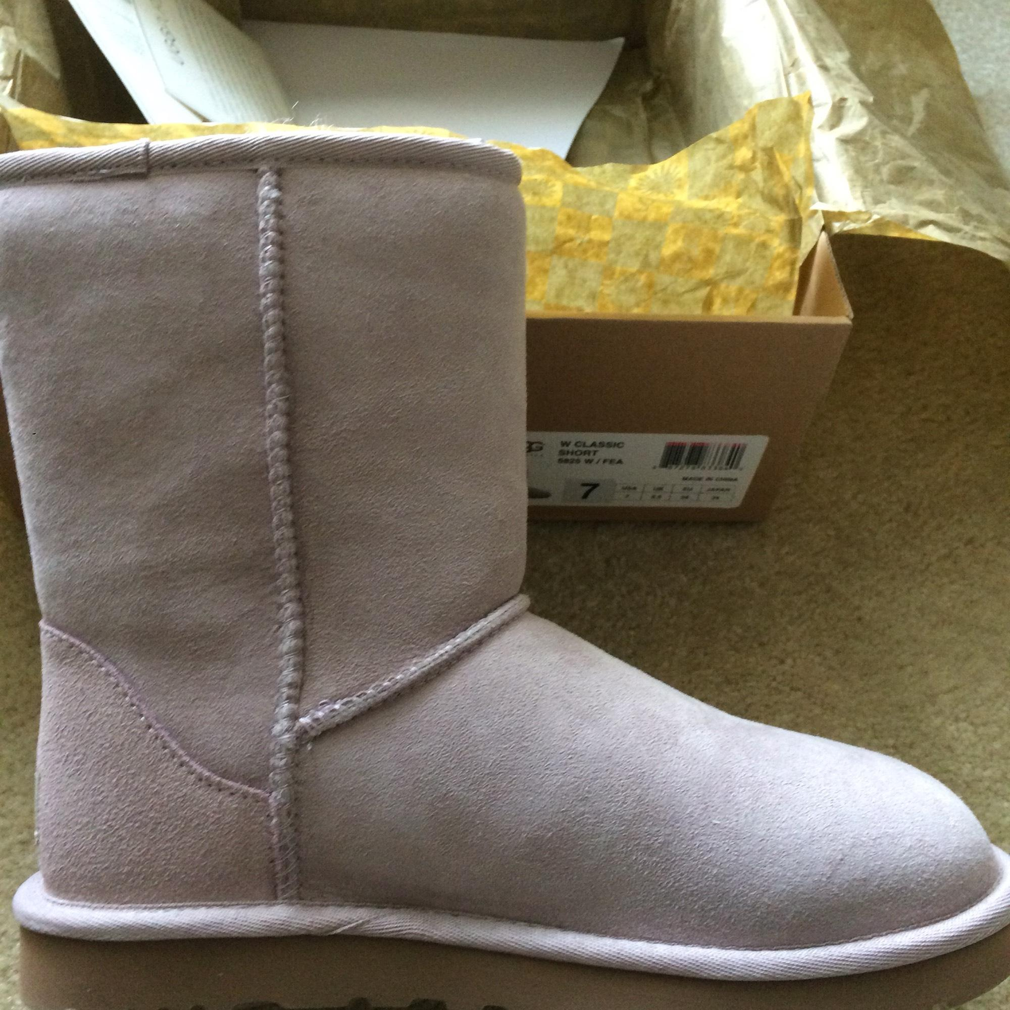 8f7fc399fd1 canada ugg womens classic short leather boots feather c0086 3e5b4