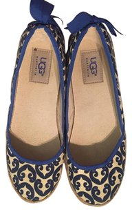UGG Australia Ugg Bow Canvas Patterned Blue/Tan Flats